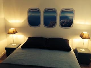 Cozy 1 bedroom Gite in Nantes with Internet Access - Nantes vacation rentals