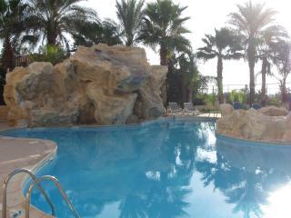 Mediterranean Sunrise Oroklini - Oroklini vacation rentals