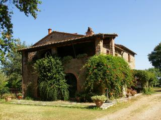 Nice 1 bedroom Farmhouse Barn in Ambra with Internet Access - Ambra vacation rentals
