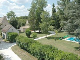 14 bedroom Chateau with Satellite Or Cable TV in Castillonnes - Castillonnes vacation rentals
