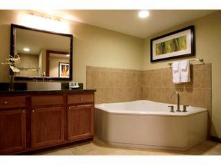 Wyndham Waikiki Beachwalk - 1BR/1BA Deluxe Villa - Honolulu vacation rentals