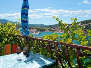 1 bedroom Bed and Breakfast with Balcony in Jelsa - Jelsa vacation rentals