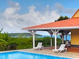 * Belle villa avec piscine privée - Le Francois vacation rentals