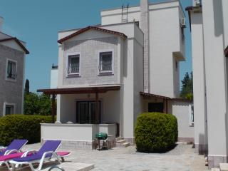 3 bedroom Villa with Internet Access in Turgutreis - Turgutreis vacation rentals