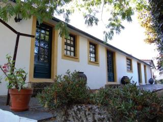 4 bedroom Farmhouse Barn with Internet Access in Vila Real - Vila Real vacation rentals