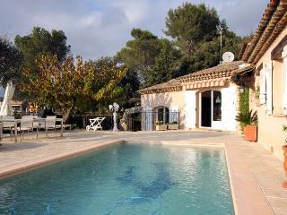 6285 Delightful 2-bedroom villa with private pool - Auribeau-sur-Siagne vacation rentals