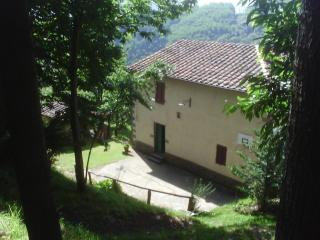 3 bedroom Farmhouse Barn with Internet Access in Villa Basilica - Villa Basilica vacation rentals