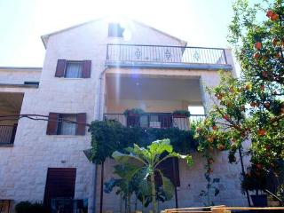 2 bedroom Apartment with Internet Access in Postira - Postira vacation rentals