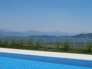 Beautiful Townhouse with Internet Access and Dishwasher - Milas vacation rentals