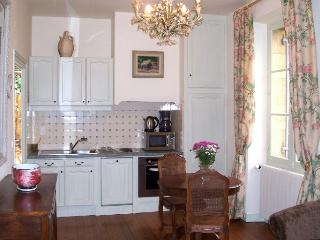 Charming 1 bedroom House in Beynac-et-Cazenac with Internet Access - Beynac-et-Cazenac vacation rentals