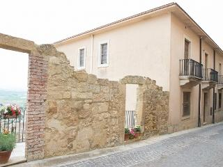 Cozy 2 bedroom Condo in Salemi - Salemi vacation rentals