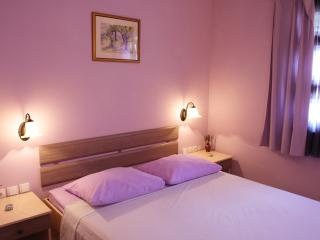 Charming Lavender, centre, Stari Grad, walking distance to everything - Stari Grad vacation rentals