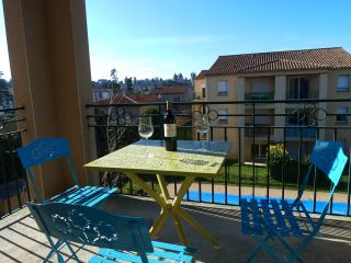 Les Bastidettes - Cosy sunny apartment - Carcassonne vacation rentals