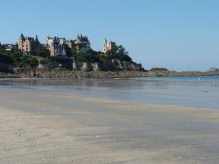 Perfect Condo with Internet Access and Wireless Internet - Dinard vacation rentals