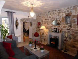 Bright 3 bedroom House in Villeneuve-Minervois with Internet Access - Villeneuve-Minervois vacation rentals