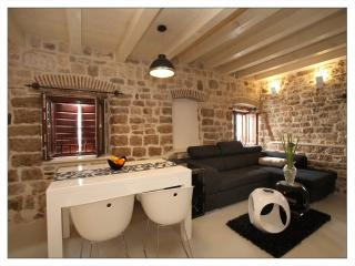 Charming Condo with Internet Access and Dishwasher - Trogir vacation rentals
