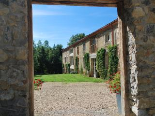 Nice House with Dishwasher and Kettle - Saint-Lizier vacation rentals