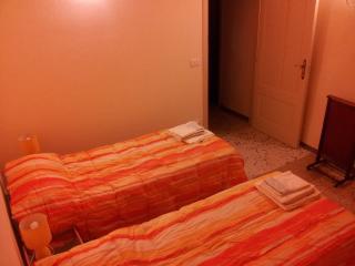 a casa du casteddu - 2 posti - La stanza del sole - Galati Mamertino vacation rentals