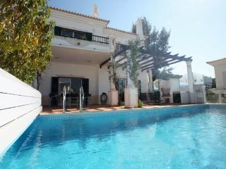 Nice 3 bedroom Vale do Lobo Townhouse with Internet Access - Vale do Lobo vacation rentals