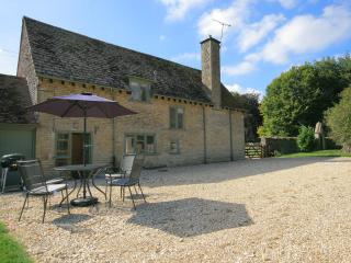 Colt Horse Cottage, peaceful, near a pub,Cotswolds - Northleach vacation rentals