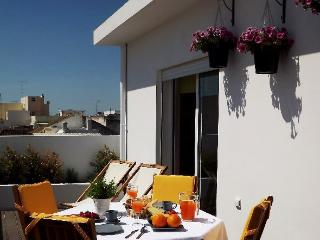 Guesthouse - Entre Cubos - Olhao vacation rentals