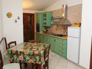 In Sardegna sistemazione confortevole - Orosei vacation rentals