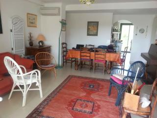 3 bedroom Apartment with A/C in Cavalaire-Sur-Mer - Cavalaire-Sur-Mer vacation rentals