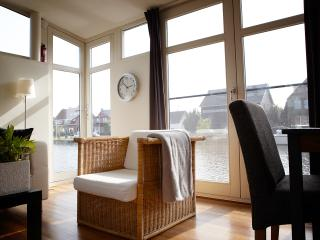 bed & boat, apartment on houseboat, Amsterdam - Amsterdam vacation rentals