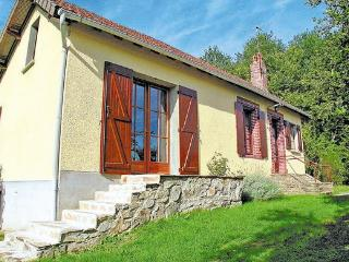 2 bedroom Villa with Internet Access in Le Chalard - Le Chalard vacation rentals