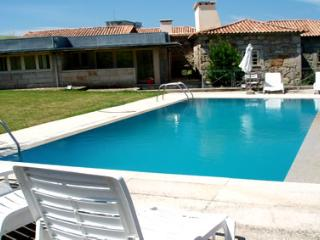 Nice House with Shared Outdoor Pool and Television - Afife vacation rentals