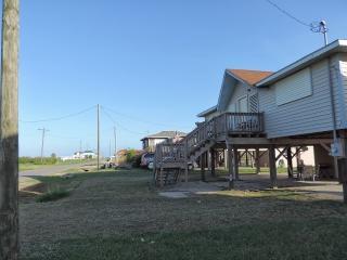 Family beach house retreat - Crystal Beach vacation rentals