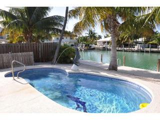 Private 10 x25 4 ft Pool Onsite w/water feature, fiber optic light for night swimming & optl' heat - CHARMING KCB POOL COTTAGE, PVT POOL,46 FT DCK,WIFI - Key Colony Beach - rentals