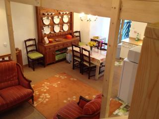 Lovely 3 bedroom Gite in Saint-Lo with Deck - Saint-Lo vacation rentals