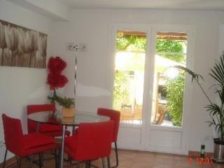 Cozy 3 bedroom Aigues-Mortes Villa with Internet Access - Aigues-Mortes vacation rentals