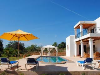 4 bedroom House with Private Outdoor Pool in San Carlos - San Carlos vacation rentals