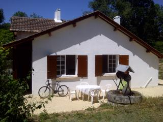 Comfortable 3 bedroom Cottage in Bergerac with Toaster - Bergerac vacation rentals