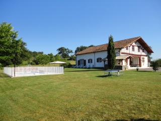 Nice House with Internet Access and Dishwasher - La Bastide Clairence vacation rentals