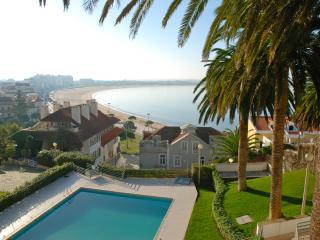 Charming 2 bedroom Apartment in Sao Martinho do Porto with Garage - Sao Martinho do Porto vacation rentals