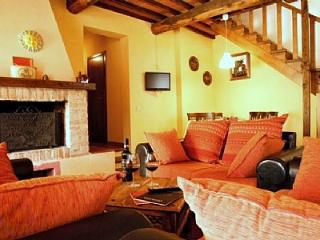 Gorgeous Villa with Deck and Garden - Gaiole in Chianti vacation rentals