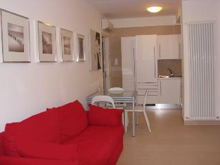 Residenza Argento Gabicce Mare trilocale - Gabicce Mare vacation rentals