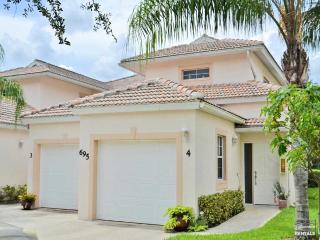 Sophisticated, professionally decorated lakefront coach home with garage - Ave Maria vacation rentals