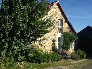 Charming Gite with Satellite Or Cable TV and Microwave - Lubersac vacation rentals