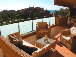 Lovely 2 bedroom Condo in Estepona - Estepona vacation rentals