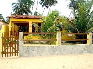 Yellow house  Baia da Traição - Baia da Traicao vacation rentals