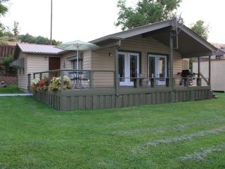 Cozy Cabin with Deck and Internet Access - Hagerman vacation rentals