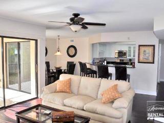 Affordable Naples luxury just 2 blocks from Vanderbilt Beach - Florida South Gulf Coast vacation rentals