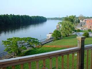 Cottage Retreat - North Carolina Coast vacation rentals