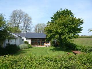 Comfortable Cottage with Internet Access and Satellite Or Cable TV - Cresselly vacation rentals