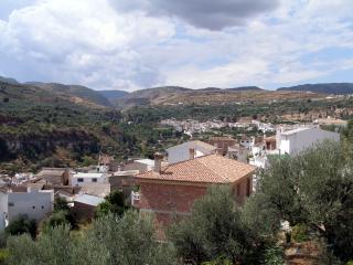 2 bedroom House with A/C in Albunuelas - Albunuelas vacation rentals