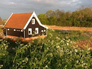 Romantic 1 bedroom Cottage in Sint Maartensdijk - Sint Maartensdijk vacation rentals